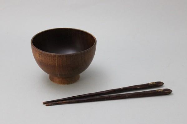 桑の木の汁椀とお箸