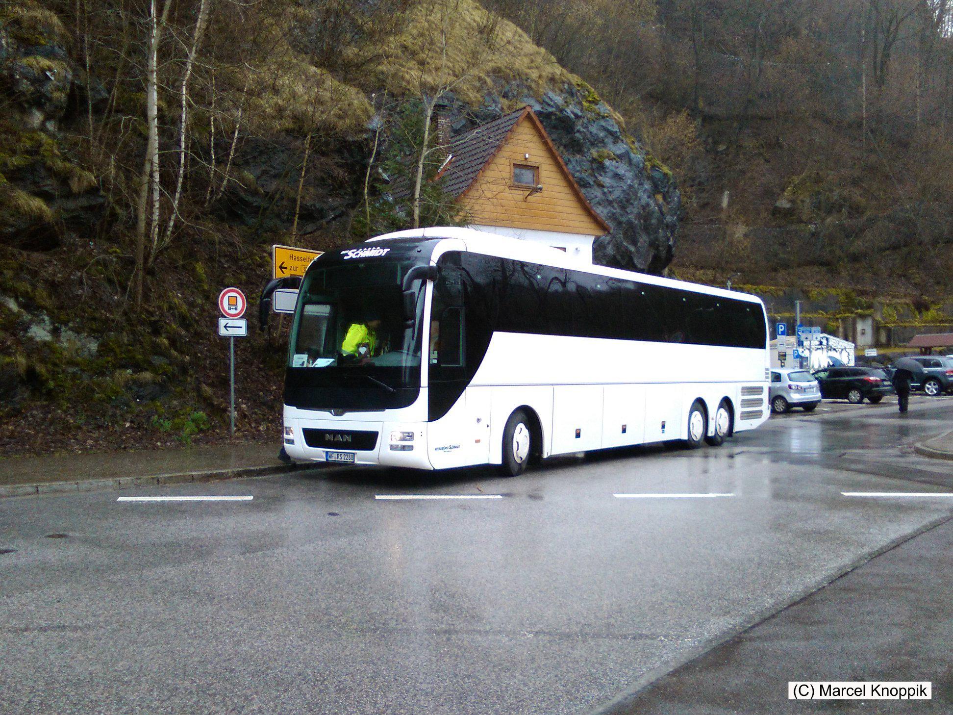 Vor der Bärenhöhle umsteigen in den Bus nach Altenau
