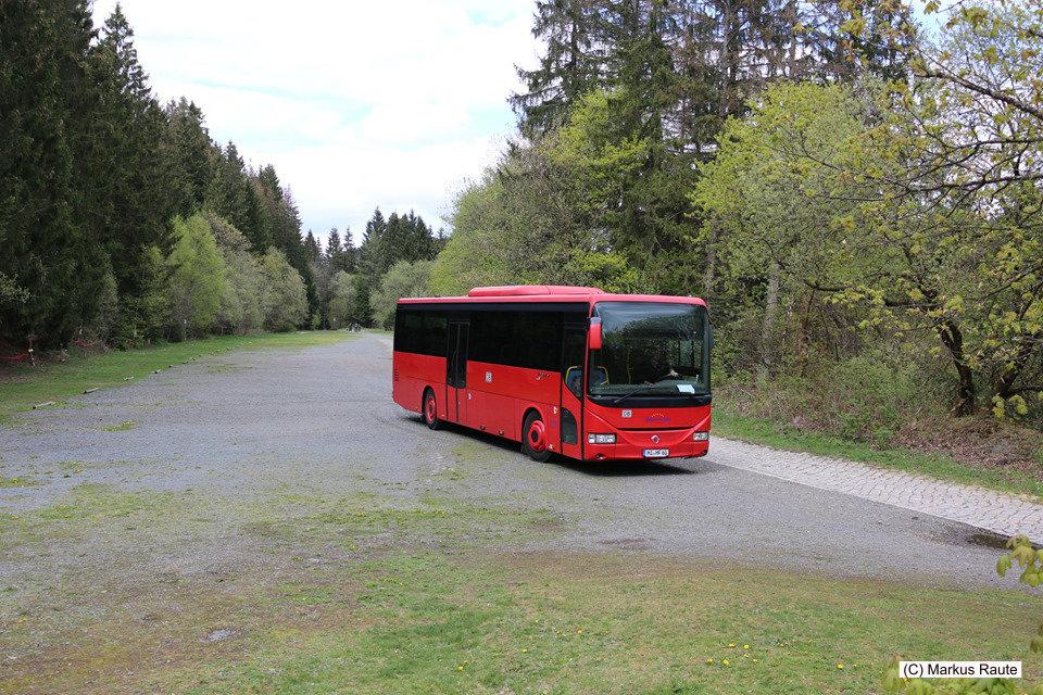 Der Abschied vom Roten Bahnbus an der ehemaligen Innerstetalbahn... komm bald wieder!