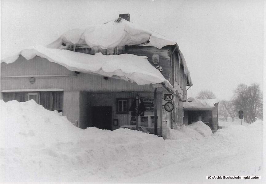 1969/70 DB Bahnhof Clausthal-Zellerfeld verschwindet fast unter den Schneemassen