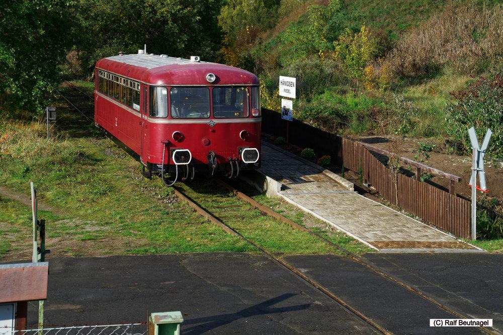 VT 98 am Bahnsteig Hänigsen