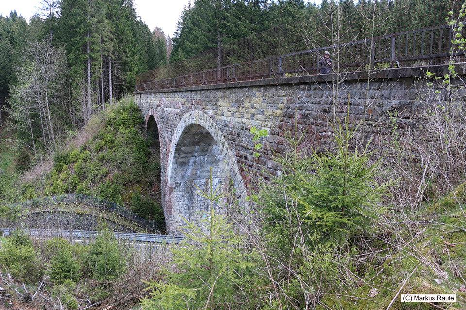 Besuch am Hellertal-Viadukt, an der ehemaligen Innerstetalbahn