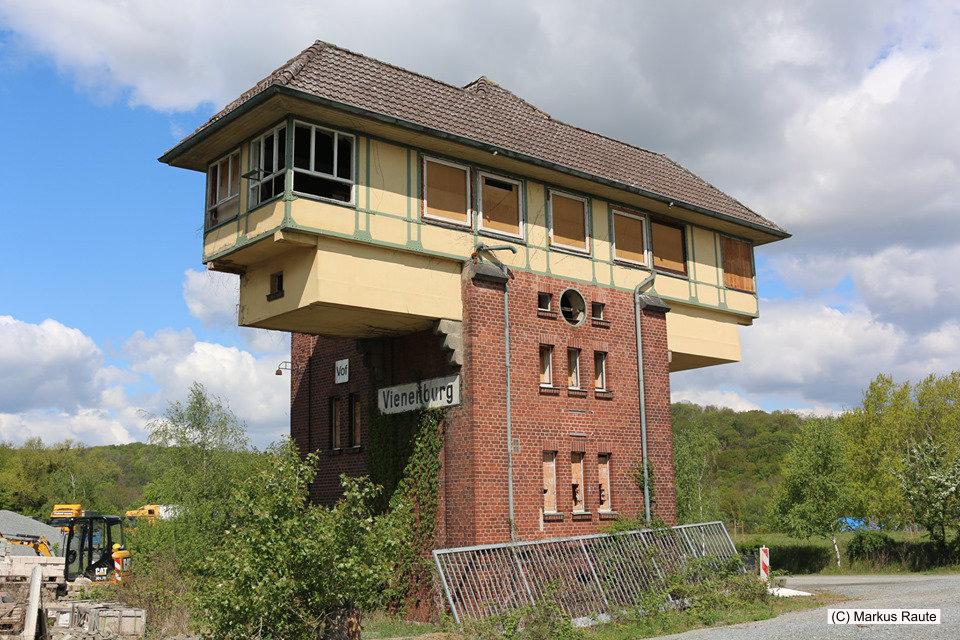 Das Vienenburger Pilzstellwerk auf dem Gelände des ehemaligen Güterbahnhofs Vienenburg