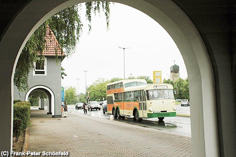 """""""Die Alte Linie 19"""" an der Bushaltestelle """"Bruchmachtersenstrasse"""""""