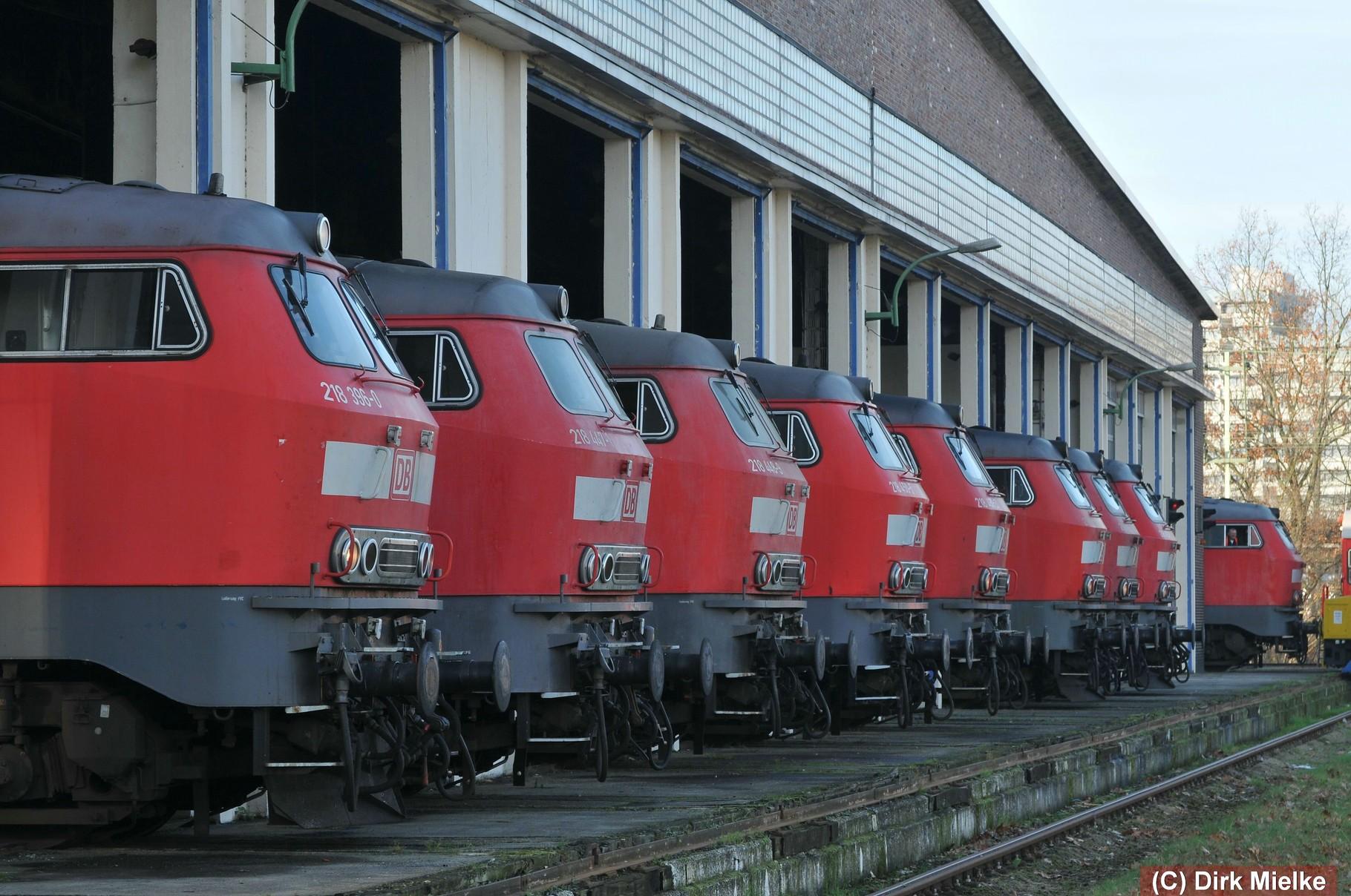 14. Dezember 2014 - Mitarbeiter von DB Regio Braunschweig gedenken mit einer Lok-Parade den nun ausgedienten Maschinen