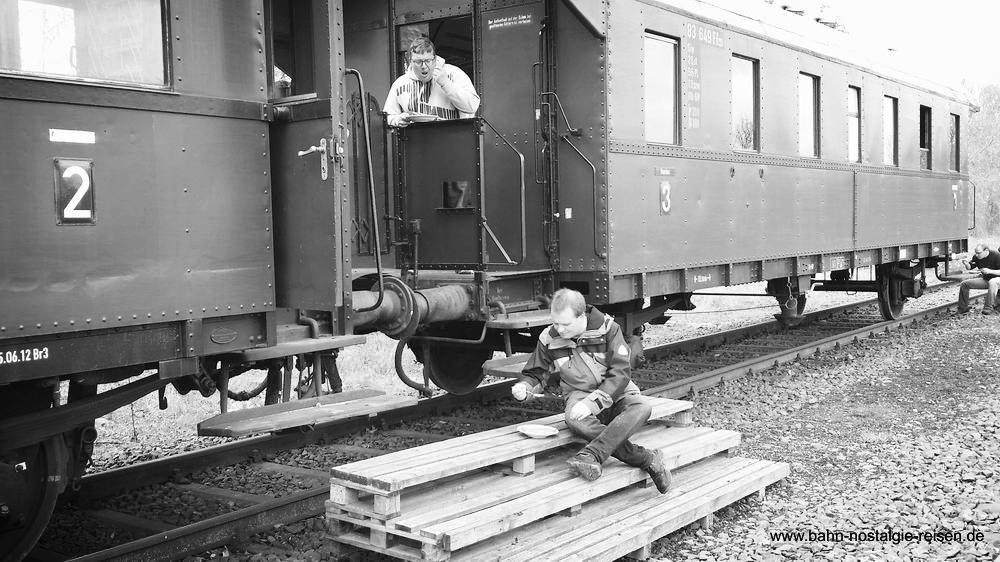 Inmitten von Eisenbahnnostalgie speisen