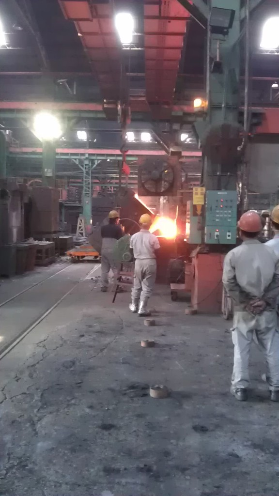 Molten cast iron from furnance to crucible