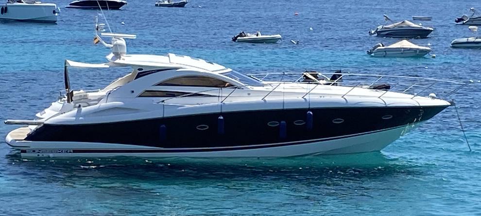 Motorboat Sunseeker 53 rental in Andratx Mallorca
