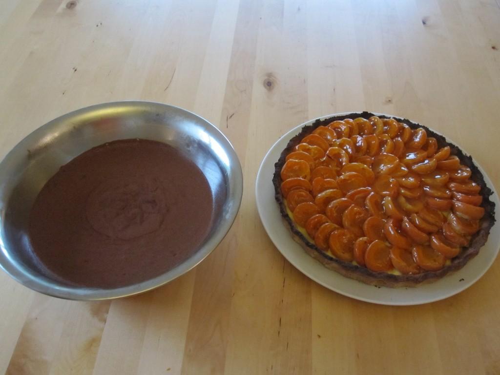 Mousse et tarte aux abricots.
