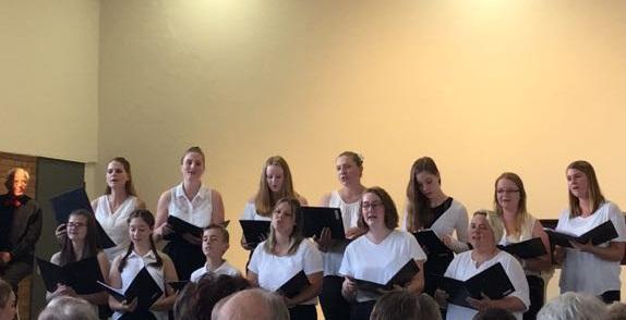 Junger Chor beim Sommerkonzert 2018