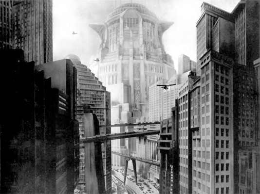 Metropolis (1927) Szenenfoto von der Häuserschlucht von Metropolis mit dem Neuen Turm zu Babel im Hintergrund