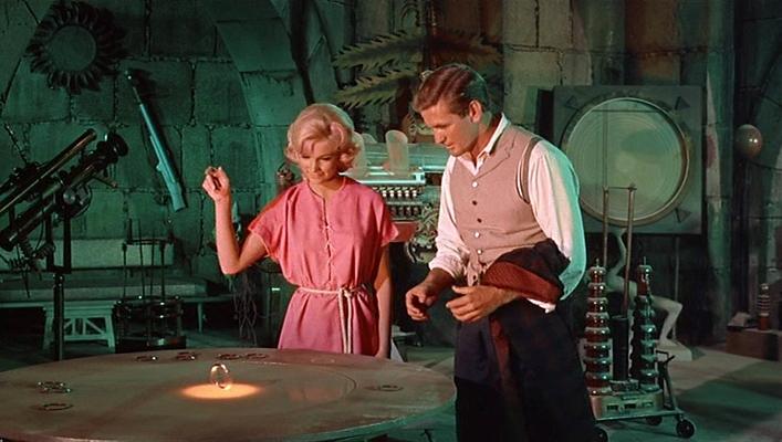 """Szenenfoto aus dem Film """"Die Zeitmaschine"""" (The Time Machine, USA 1960) von George Pal; Rod Taylor und Yvette Mimieux"""