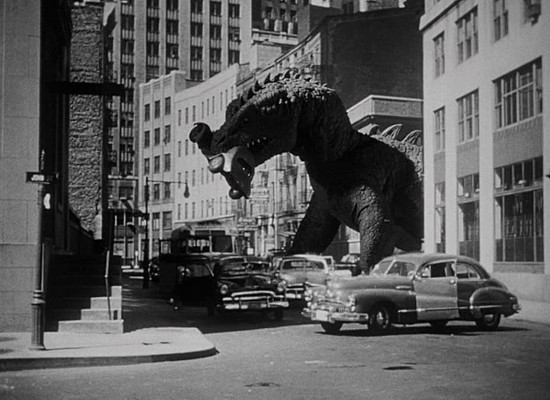 "Szenenfoto aus dem Film ""Panik in New York"" (The Beast from 20.000 Fathoms, USA 1953)"
