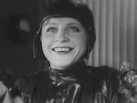 "Szenenfoto aus dem Film ""Kosmitscheski Reis"" (The Cosmic Voyage, UdSSR 1936) von Wassili Schurawljow; Xenija Moskalenko"
