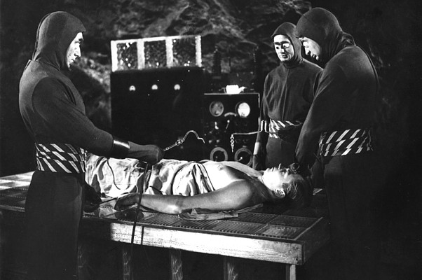 "Szenenfoto aus dem Film ""Killers from Space"" (USA 1954) von William Lee Wilder"