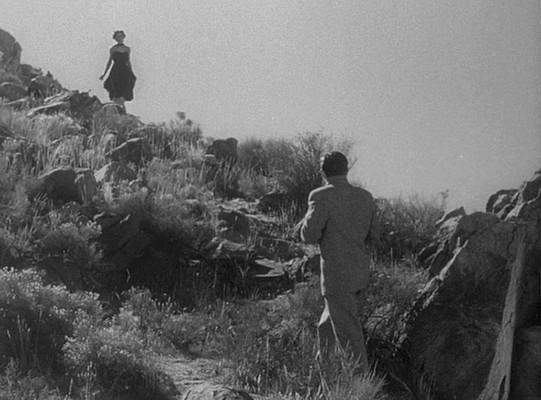 """Szenenfoto aus """"Gefahr aus dem Weltall"""" (It Came from Outer Space, USA 1953); Barbara Rush und Richard Carlson"""