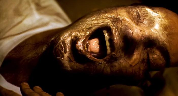 """Szenenfoto aus dem Film """"Invasion"""" (The Invasion, USA 2007) von Oliver Hirschbiegel; ein Pod"""