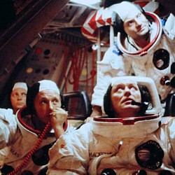 """Szenenfoto aus dem Film """"Operation Ganymed"""" (BRD 1977) von Rainer Erler"""