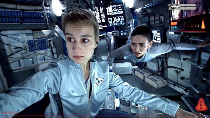 "Szenenfoto aus dem Film ""Europa Report"" (USA 2013); Anamaria Marinca und Karolina Wydra"