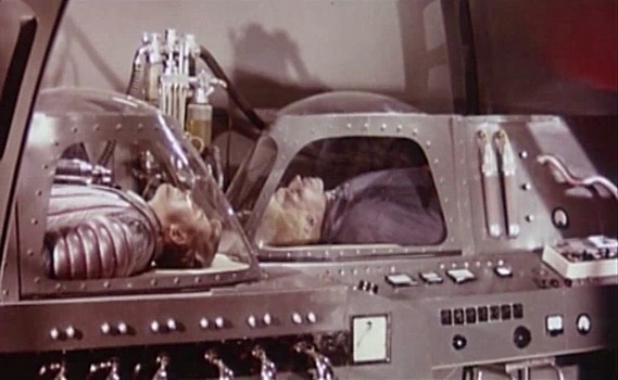 """Szenenfoto zu dem Film """"Assignment Outer Space"""" (Space Men, Italien 1960) von Antonio Margheriti; Rik von Nutter und Archie Savage"""