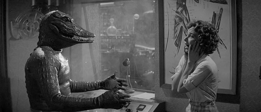 """Szenenfoto zu dem Film """"Im Sumpf des Grauens"""" (The Alligator People, USA 1959); Beverly Garland und Boyd Stockman"""