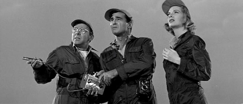 "Szenenfoto aus ""Kronos"" (USA 1957) von Kurt Neumann; George O'Hanlon, Jeff Morrow und Barbara Lawrence"