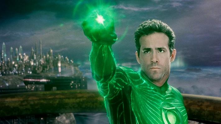 """Szenenfoto aus dem Film """"Green Lantern"""" (USA 2011) von Martin Campbell; Ryan Reynolds als Hal Jordan/Green Lantern"""