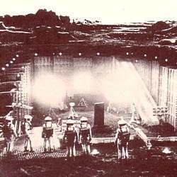 """Ausschnitt aus dem Covermotiv des Buchs """"Der Science Fiction Film"""" (1983) von Christian Hellmann"""
