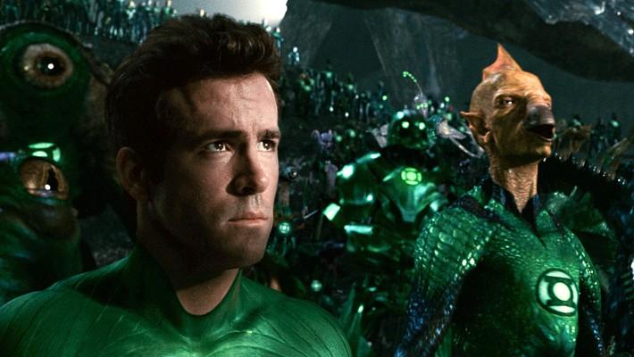 """Szenenfoto aus dem Film """"Green Lantern"""" (USA 2011) von Martin Campbell; Ryan Reynolds und das Green Lantern Corps"""
