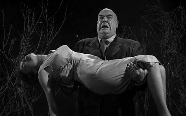 """Szenenfoto aus dem Film """"Plan 9 aus dem Weltall"""" (Plan 9 from Outer Space, USA 1959) von Edward D. Wood Jr.; Tor Johnson und Mona McKinnon"""