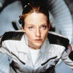 """Szenenfoto mit Jodie Foster als Astronautin in dem Film """"Contact"""" (USA 1997) von Robert Zemeckis"""