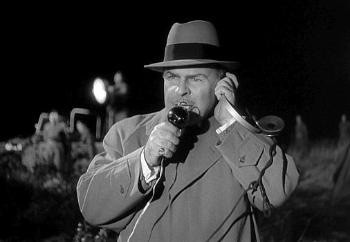 "Szenenfoto aus dem Film ""Schock"" (The Quatermass Xperiment, GB 1955) von Val Guest; Brian Donlevy"
