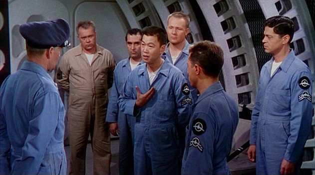 """Szenenfoto aus dem Film """"Die Eroberung des Weltraums"""" (Conquest of Space, USA 1955) von George Pal und Byron Haskin; Benson Fong"""