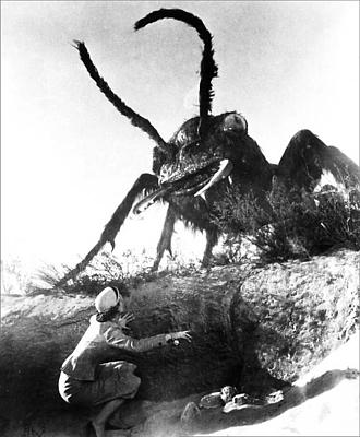 "Publicityfoto aus ""Formicula"" (Them!, USA 1954) von Gordon Douglas; Joan Weldon"