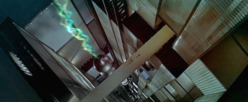 """Szenenfoto aus dem Film """"Alarm im Weltall"""" (Forbidden Planet, USA 1956) von Fred McLeod Wilcox; der Lüftungsschacht der Krell"""
