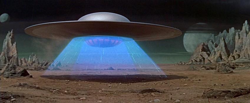 """Szenenfoto aus dem Film """"Alarm im Weltall"""" (Forbidden Planet, USA 1956) von Fred McLeod Wilcox; das Raumschiff C-57-D"""