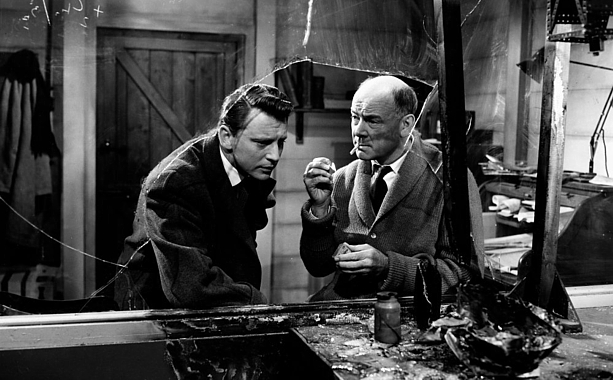 """Szenenfoto aus dem Film """"XX . . . Unbekannt"""" (X the Unknown, GB 1956) von Leslie Norman; William Lucas und Dean Jagger"""