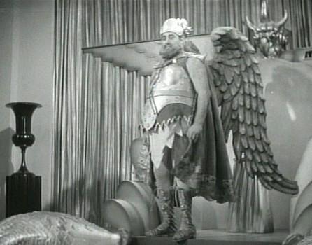"Szenenfoto aus dem Kinoserial ""Flash Gordon"" (USA 1936); Jack Lipson als König Vultan"