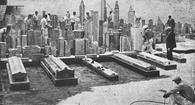"""Publicity Shot zu dem Film """"Deluge"""" (USA 1933) von Felix E. Feist; das New York Modell"""