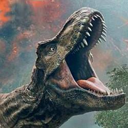 """Szenenfoto aus dem Film """"Jurassic World: Das gefallene Königreich"""" (Jurassic World: Fallen Kingdom, USA 2018); Tyrannosaurus Rex"""