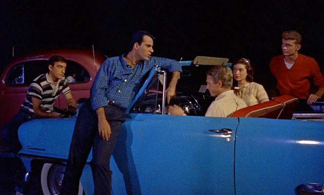 """Szenenfoto aus """"Blob -- Schrecken ohne Namen"""" (The Blob, USA 1958) von Irvin S. Yeaworth Jr."""