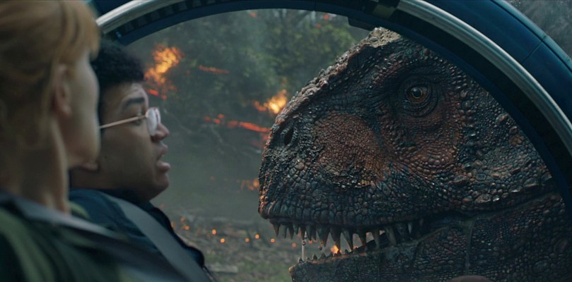 "Szenenfoto aus dem Film ""Jurassic World: Das gefallene Königreich"" (Jurassic World: Fallen Kingdom, USA 2018); Bryce Dallas Howard und Justice Smith"