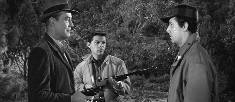 """Szenenfoto aus dem Film """"Panik im Jahre Null"""" (Panic in Year Zero, USA 1962) von Ray Milland; Ray Milland, Frankie Avalon und Richard Garland"""