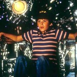 """Szenenfoto aus dem Film """"Der Flug des Navigators"""" (Flight of the Navigator, USA/Norwegen 1986) von Randal Kleiser; Joey Cramer als David Freeman und die KI Max"""