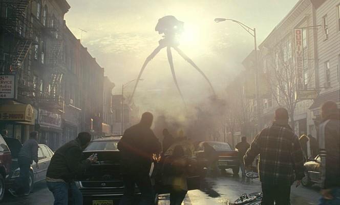"""Ein Tripod in einer Szene aus """"Krieg der Welten"""" (War of the Worlds, USA 2005)"""