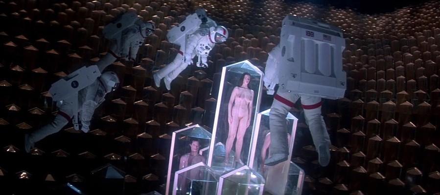 """Szenenfoto aus dem Film """"Lifeforce"""" (GB 1985) von Tobe Hooper"""