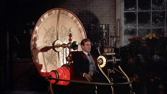 """Szenenfoto aus dem Film """"Die Zeitmaschine"""" (The Time Machine, USA 1960) von George Pal; Rod Taylor und die Zeitmaschine"""