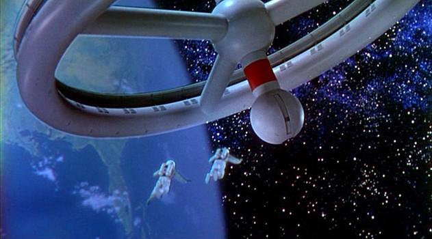 """Szenenfoto aus dem Film """"Die Eroberung des Weltraums"""" (Conquest of Space, USA 1955) von George Pal und Byron Haskin; die Raumstation """"Wheel"""""""
