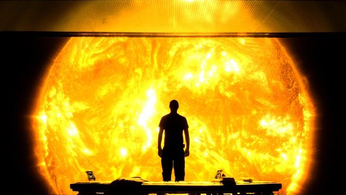 """Szenenfoto aus dem Film """"Sunshine"""" (GB 2007) von Danny Boyle; Cliff Curtis"""