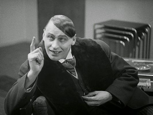 """Szenenfoto aus dem Film """"Frau im Mond"""" (Deutschland 1929) von Fritz Lang; Fritz Rasp als Walt Turner"""